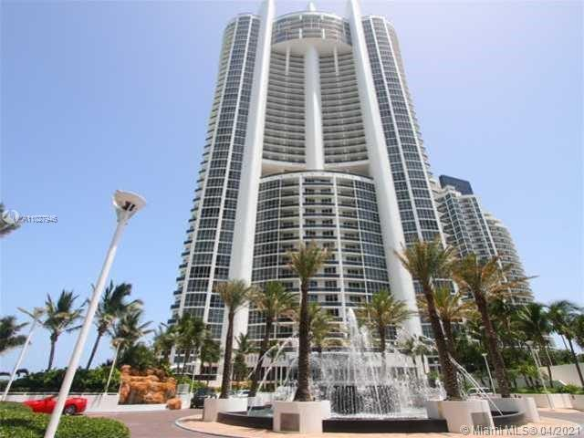 2/2 unit with amazing intracoastal and ocean view.