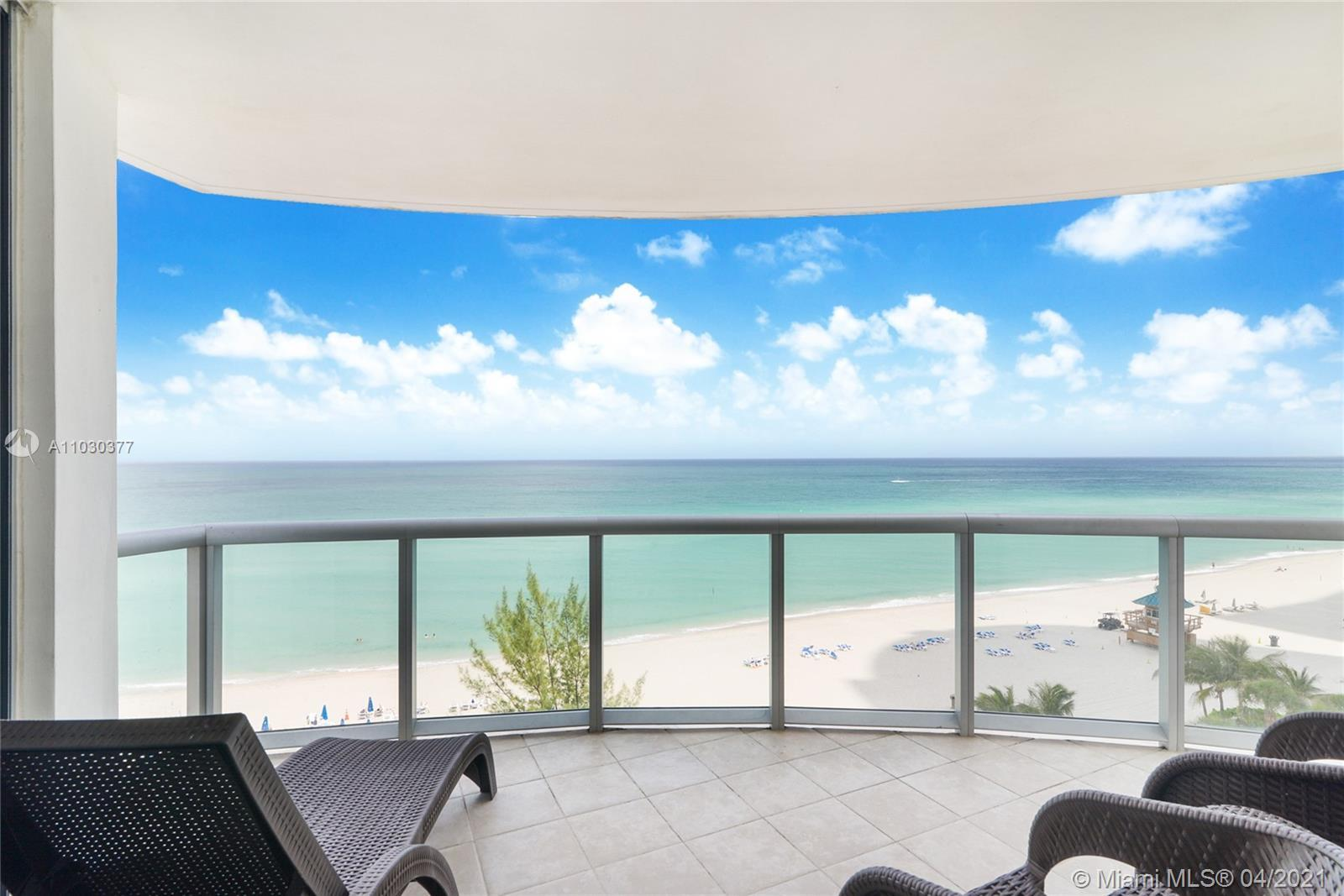 Beautiful direct oceanfront residence at the Marenas Resort Sunny Isles Beach. Fully furnished turnk
