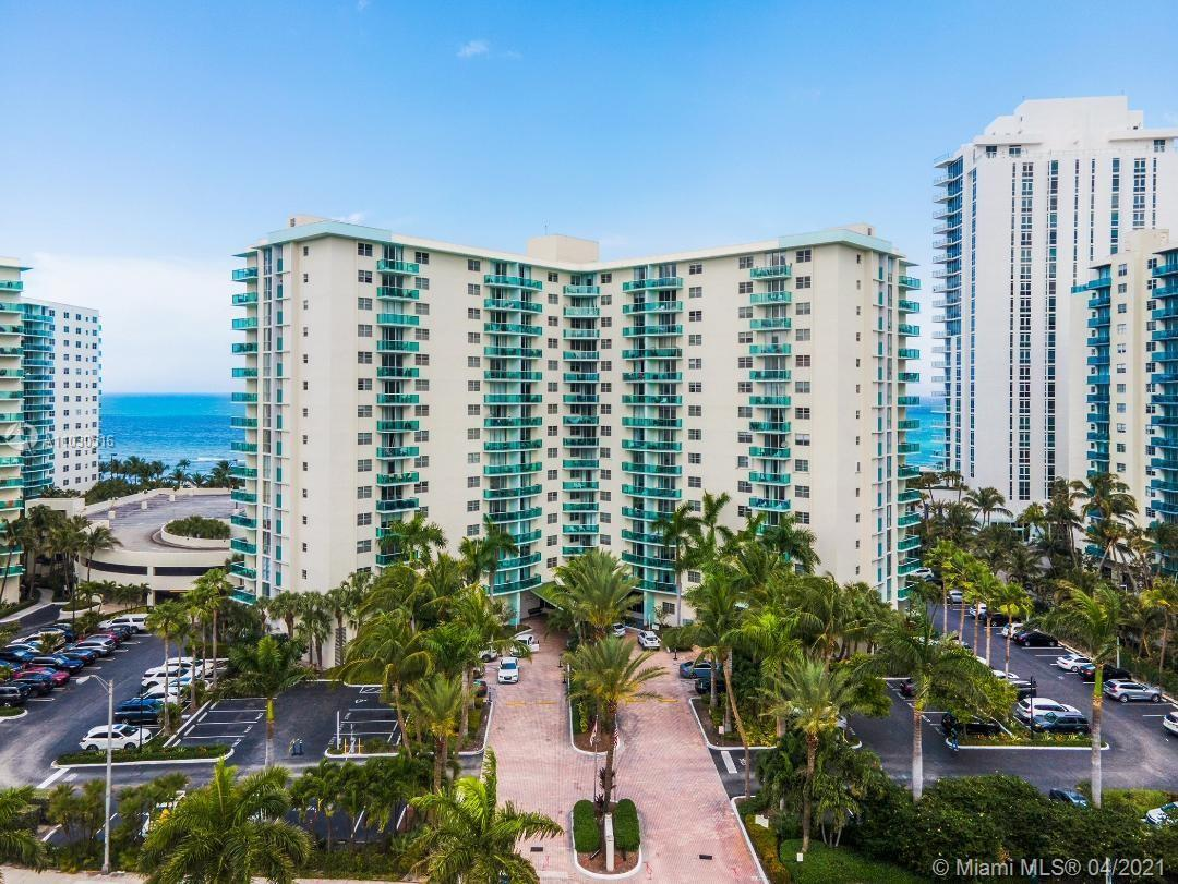 This is a beautiful 1 bedroom 1 bathroom condo in the Residence on Hollywood Beach. This spectacular