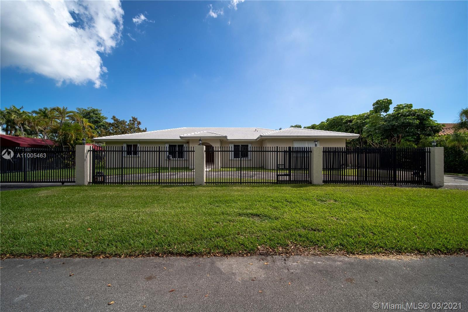 Nestled on a quiet street in Pinecrest by the sea relax and unwind in this beautiful home. Safe and