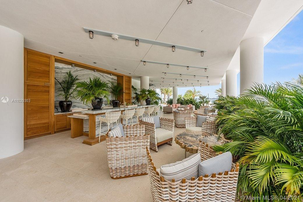 Looking for the Boutique Apartment on Miami's mainland? This One Bedroom 790 sf Luxury Apartment  bo