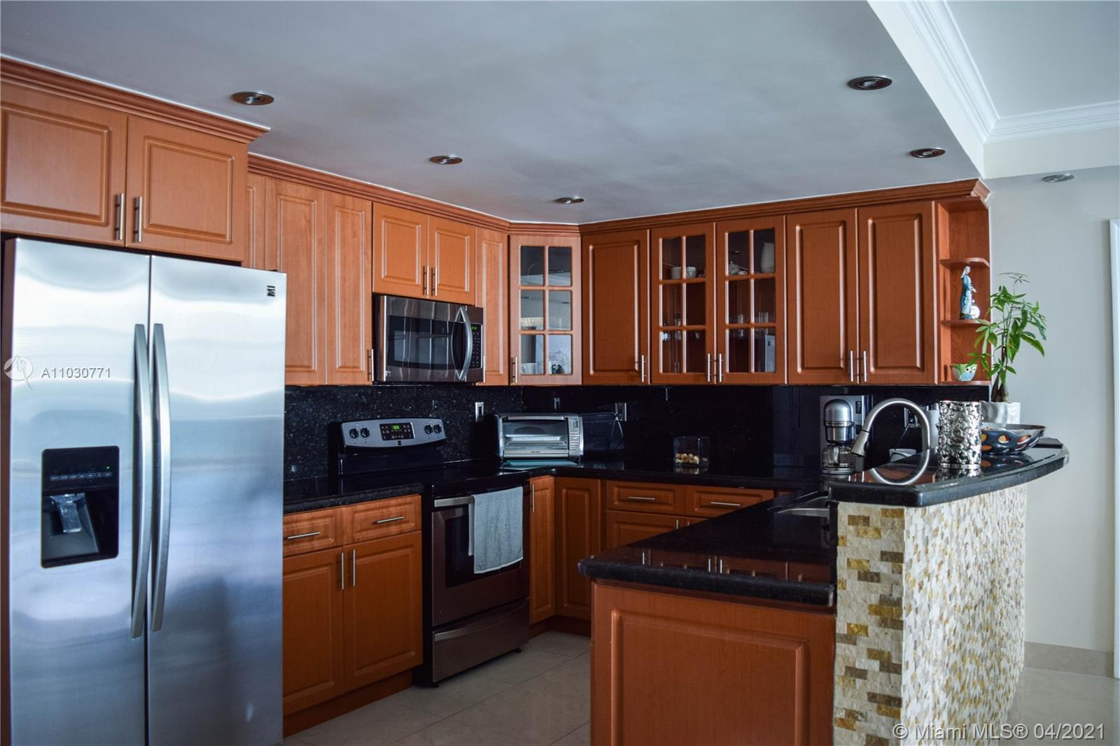 AMAZING LOCATION, BIGGEST 3/2 UNIT IN THE BUILDING. COMPLETELY REMODELED, TWO NEW AIR CONDITIONING U