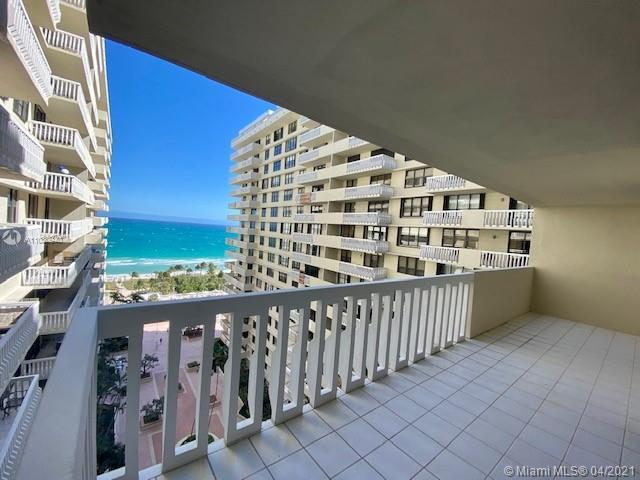 DIRECT OCEANVIEW , Breathtaking direct ocean views from all rooms. . Building offers 5 stars ameniti