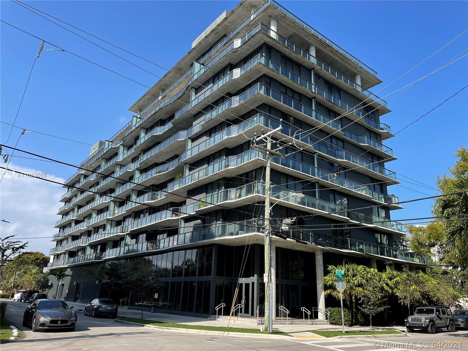 Cassa Brickell is new modern 10 story building in the Brickell area, completed in 2016, This 3 bedro