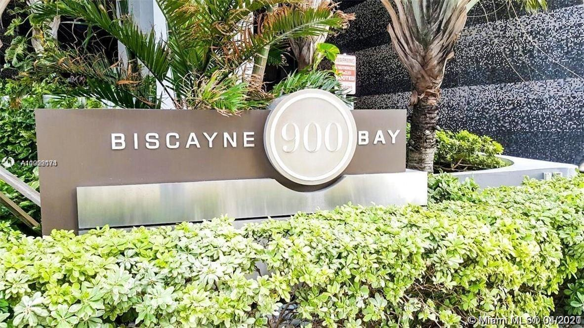 Live in the heart of Miami. Vibrant location, walking distance to the main entertainment centers of
