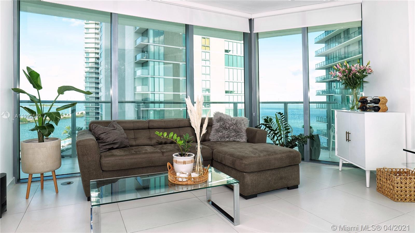 Gorgeous 3 Bedrooms and 2 Bathrooms, with a huge and amazing wrap-around balcony, Paraiso Bayviews h