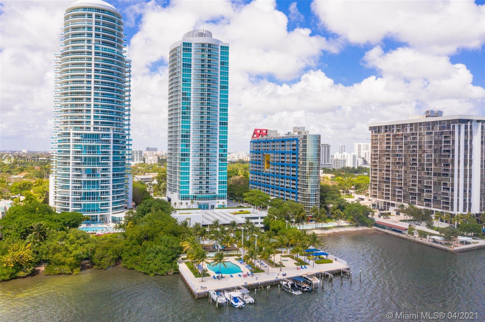 Immaculate maintained 2/2 Condo in Highly Desirable Skyline At Brickell. Move in ready with in unit