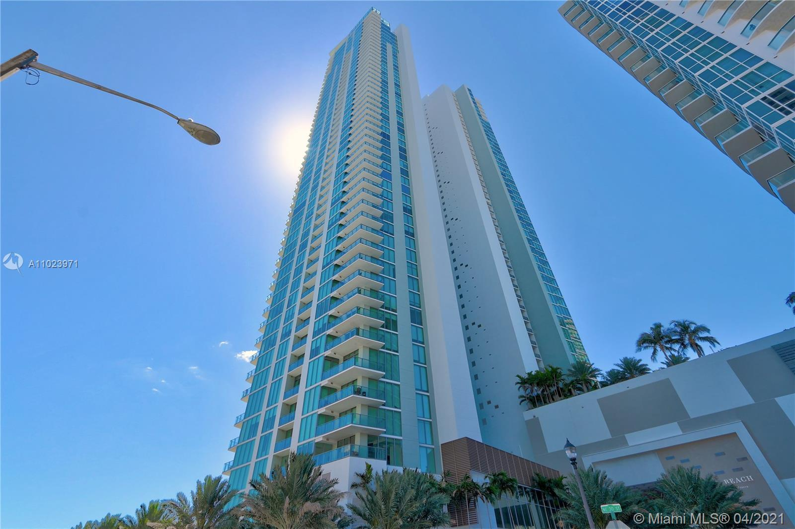 Amazing new construction in Edgewater! This 2/2/1 has amazing Biscayne Bay views, SS Miele appliance