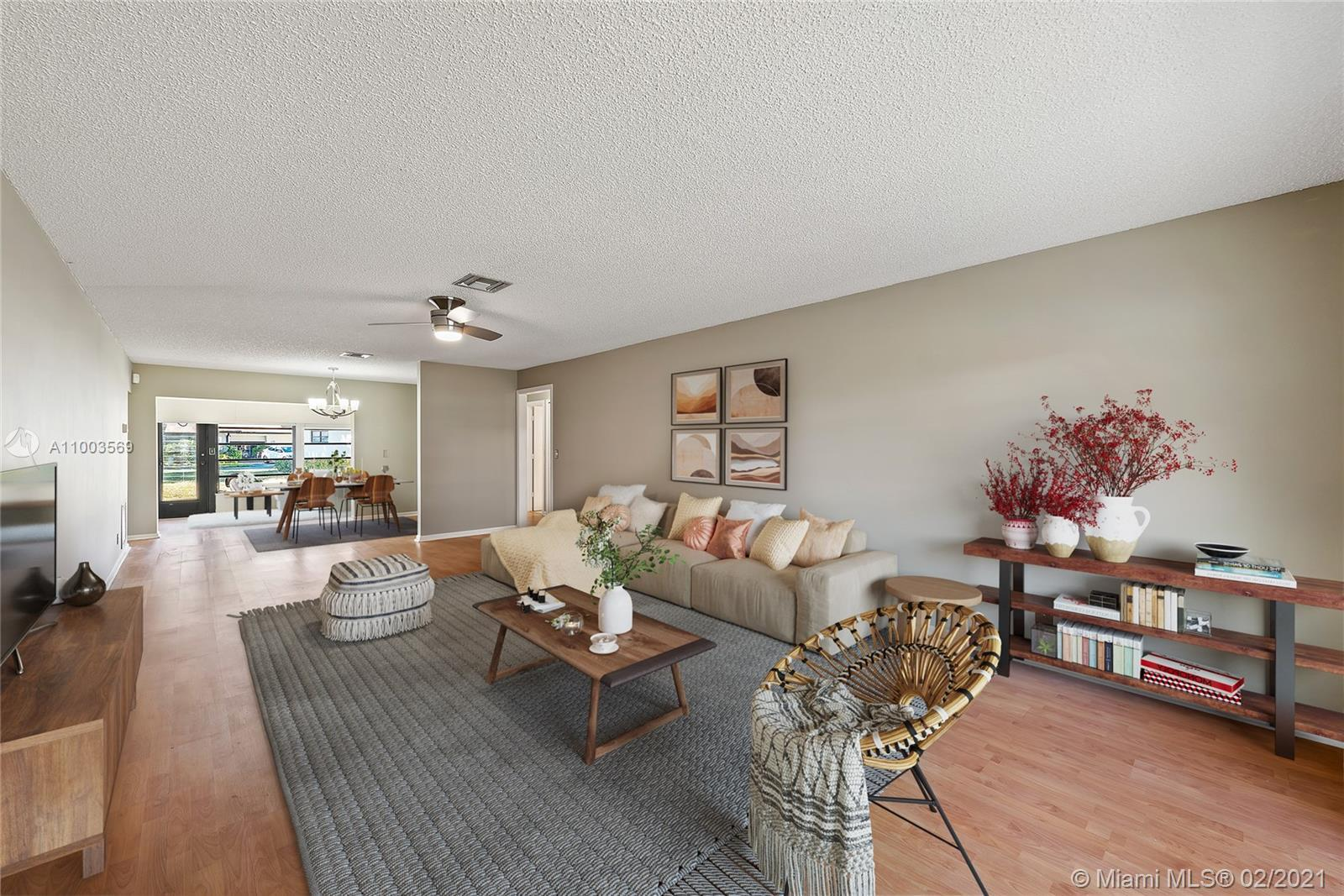 Retreat to your one story, two bedroom villa in the center of the Palm Beaches. Greentree Villas is