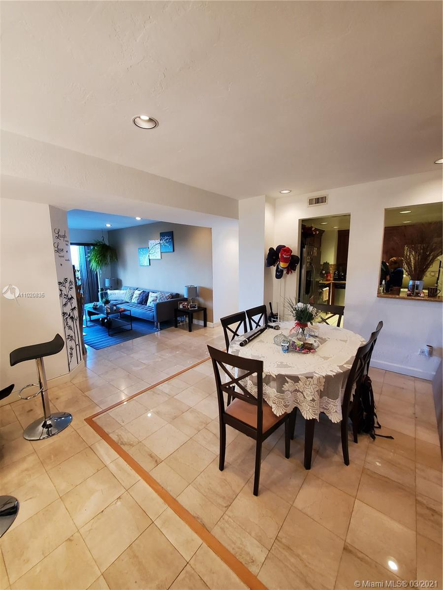 ONLY FOR INVESTOR, Beautiful and perfectly maintained spacious unit with amazing city views within o