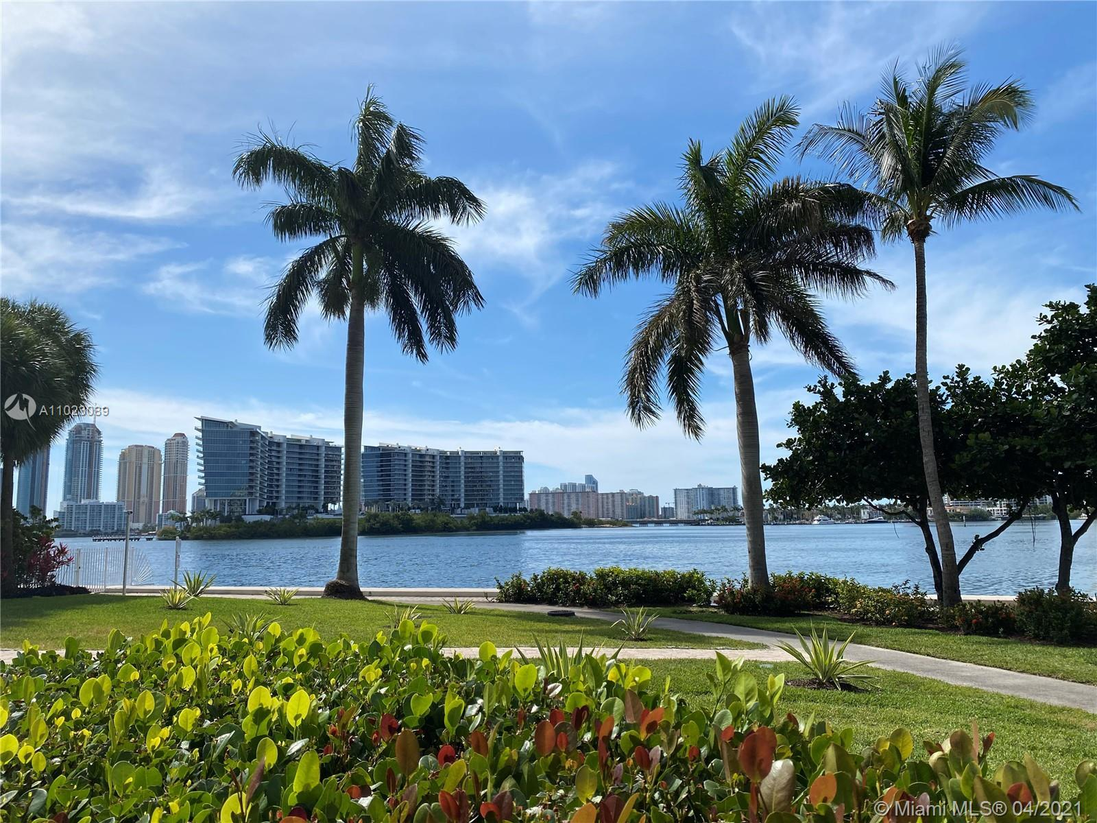 LOCATION + VIEW + SPACE. Unique Lanai unit with access to the bay. This  3 bedroom apartment at Hidd