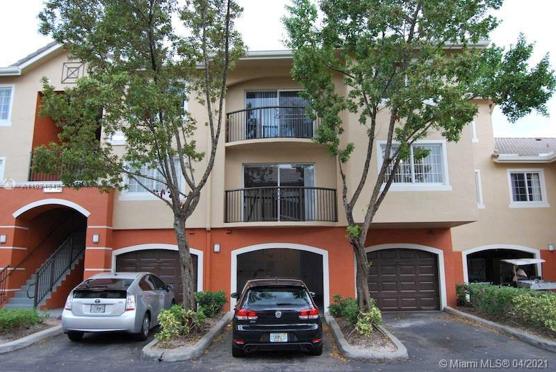 For Sale 2bed/2bath condo in West Palm Beach. Gated community with lots of amenities. The unit is lo