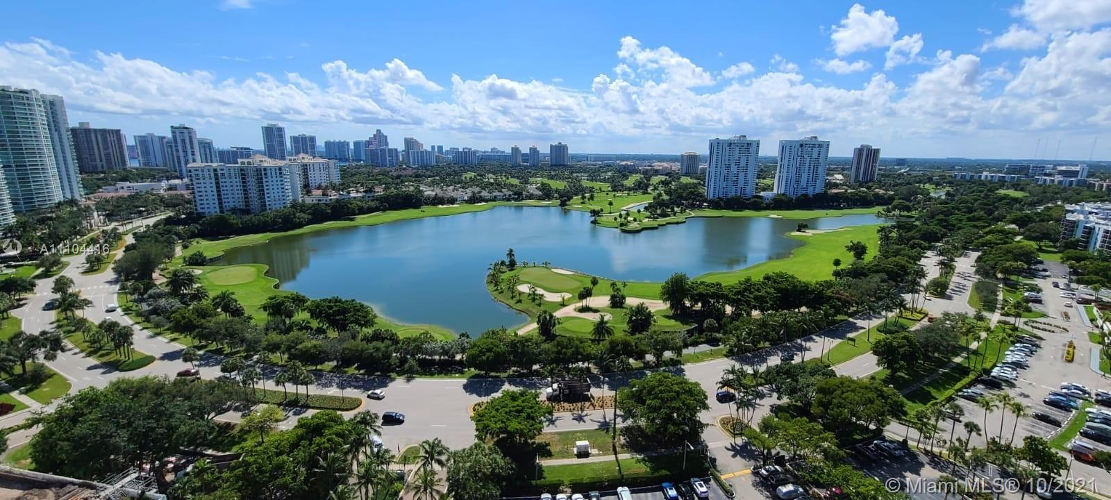 FANTASTIC PENTHOUSE RESIDENCE IN THE HEART OF AVENTURA! THIS PENTHOUSE OFFERS EXTRA HIGH CEILINGS AN
