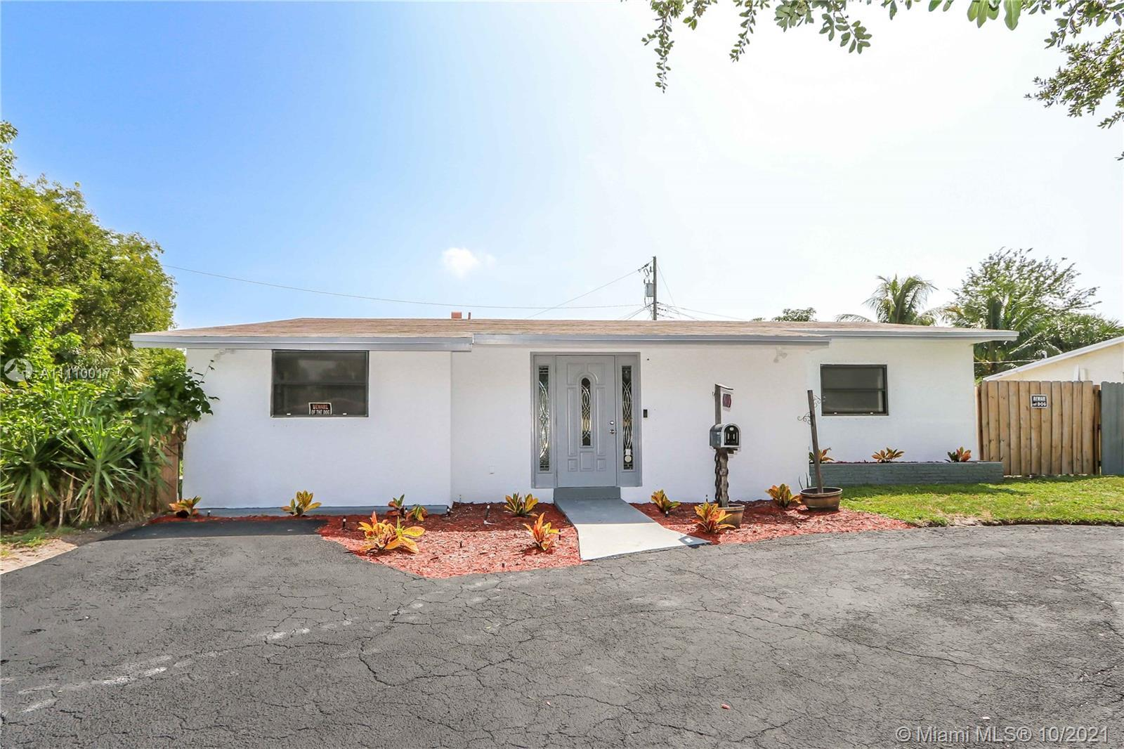 Beautiful Remodeled 3 bed/ 2 bath in the desirable area of Pompano Beach. Perfect for a new family o