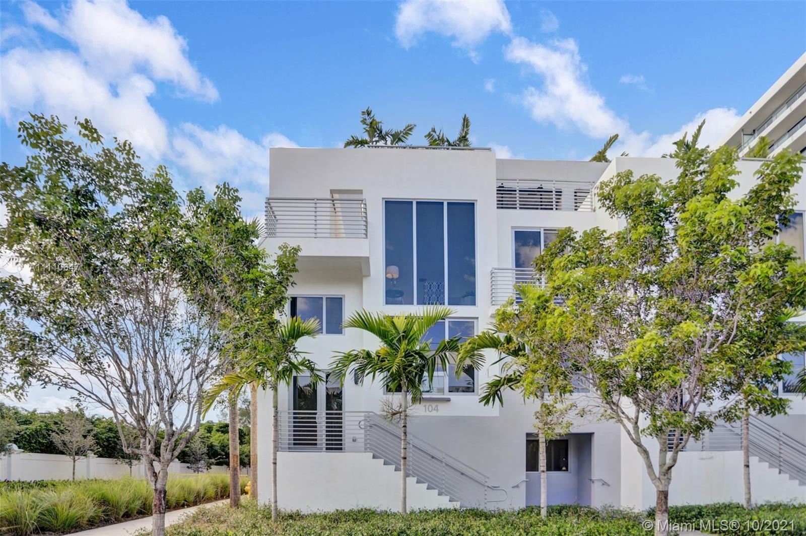 The most luxurious townhouse in Aventura with a Walkability Factor like no other in Aventura can now