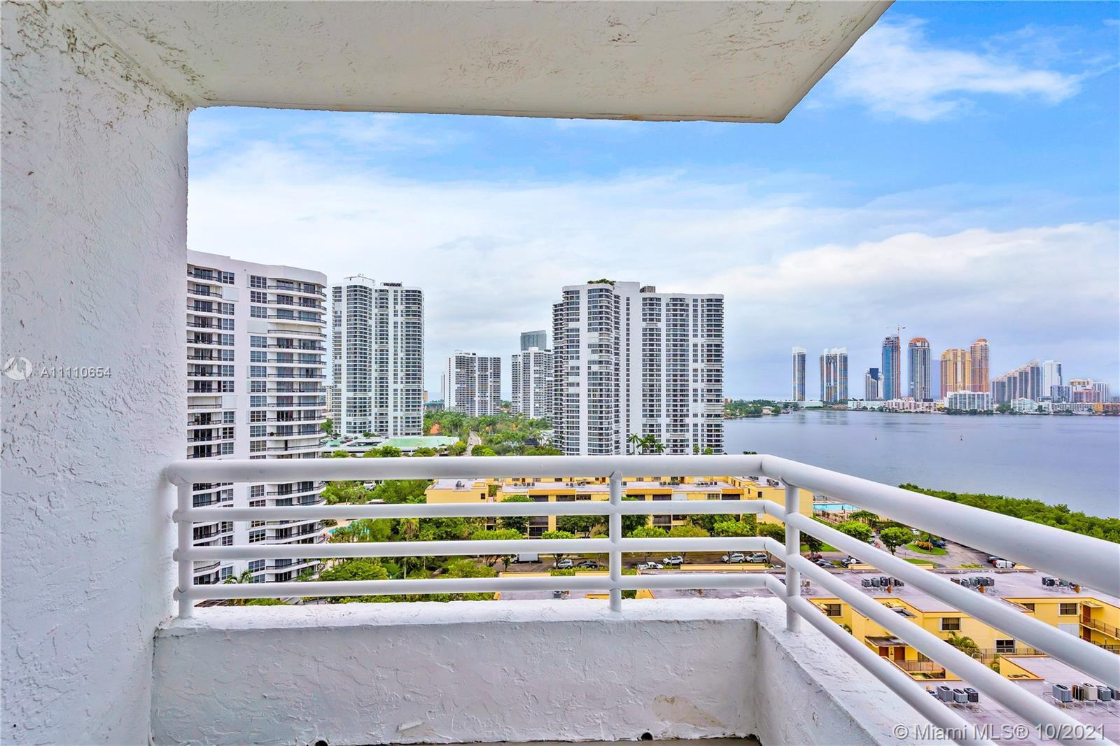 Beautiful intracoastal water view corner unit, 2 Bed 2 Bath +Den.  3 separated balconies facing the