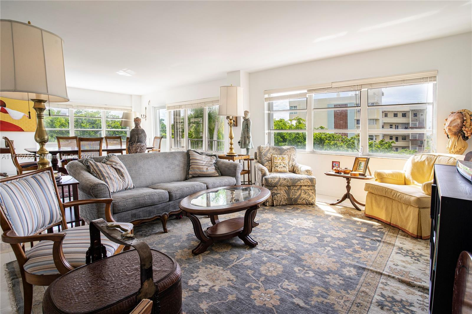 Wonderful layout with spacious living and dining, Bright condo with updated floors and imposing room
