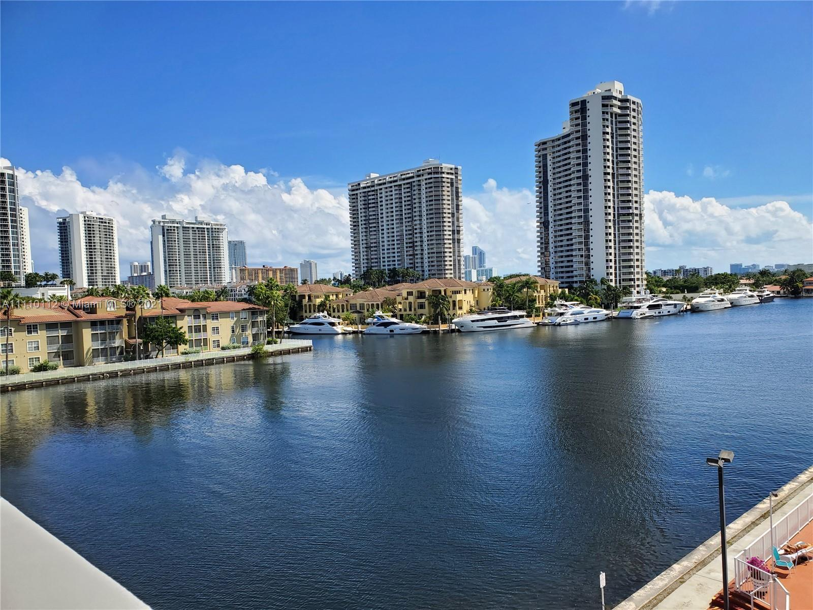 55+ community. 2/2 with a large balcony. Needs some TLC. Lots of potential. Waterview from the balco