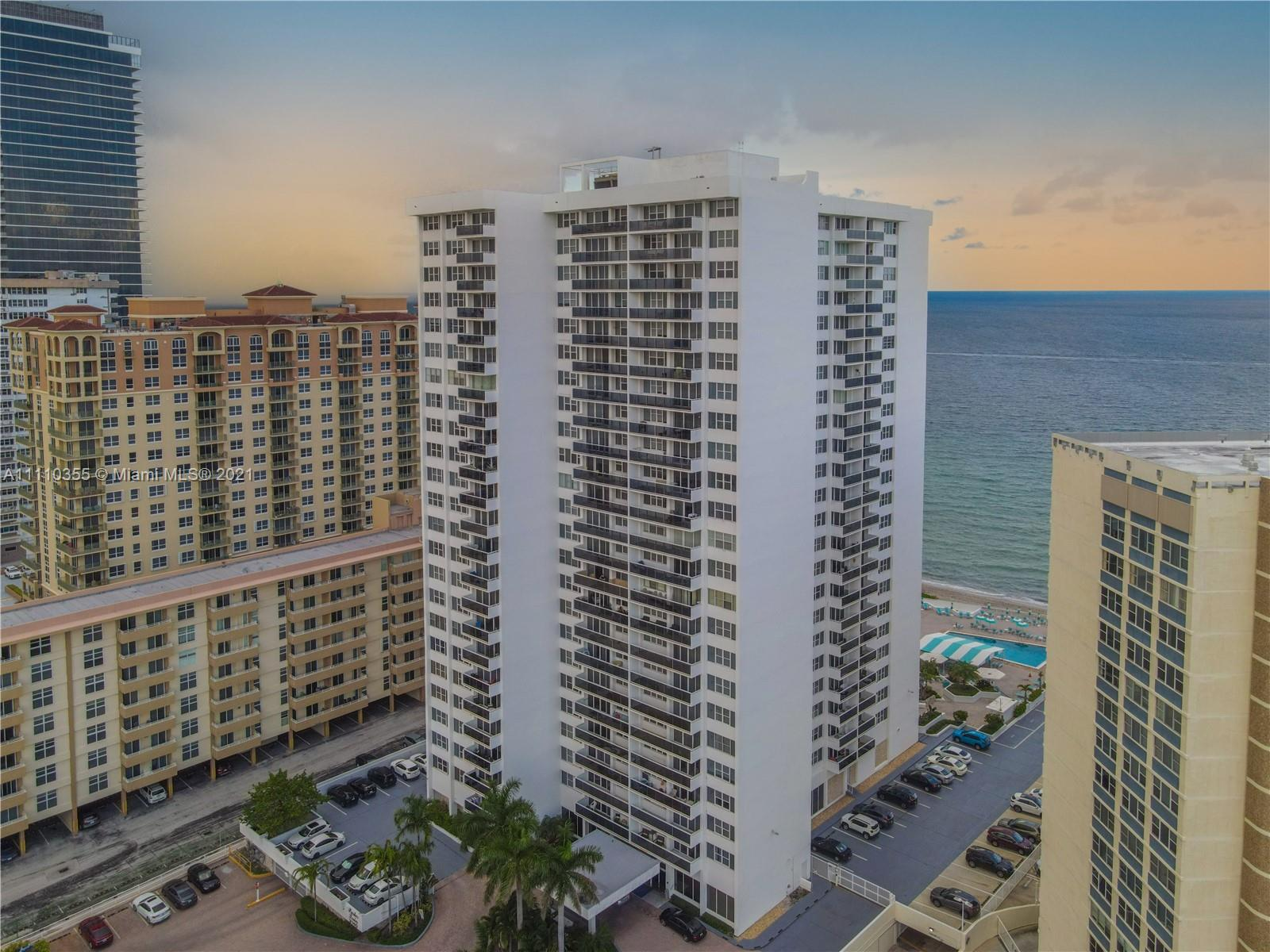 Great 1 Bedroom/ 1.5 Bathroom Condo in the Heart of Hallandale Beach. Located Directly on the Ocean,