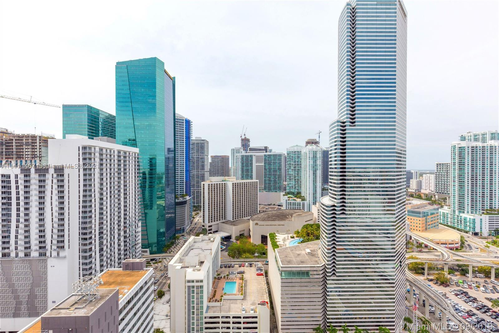 Investors Opportinuty, 2 Bedroom 2 bathrooms New Condo Apartment at Centro Downtown Miami. Walking d