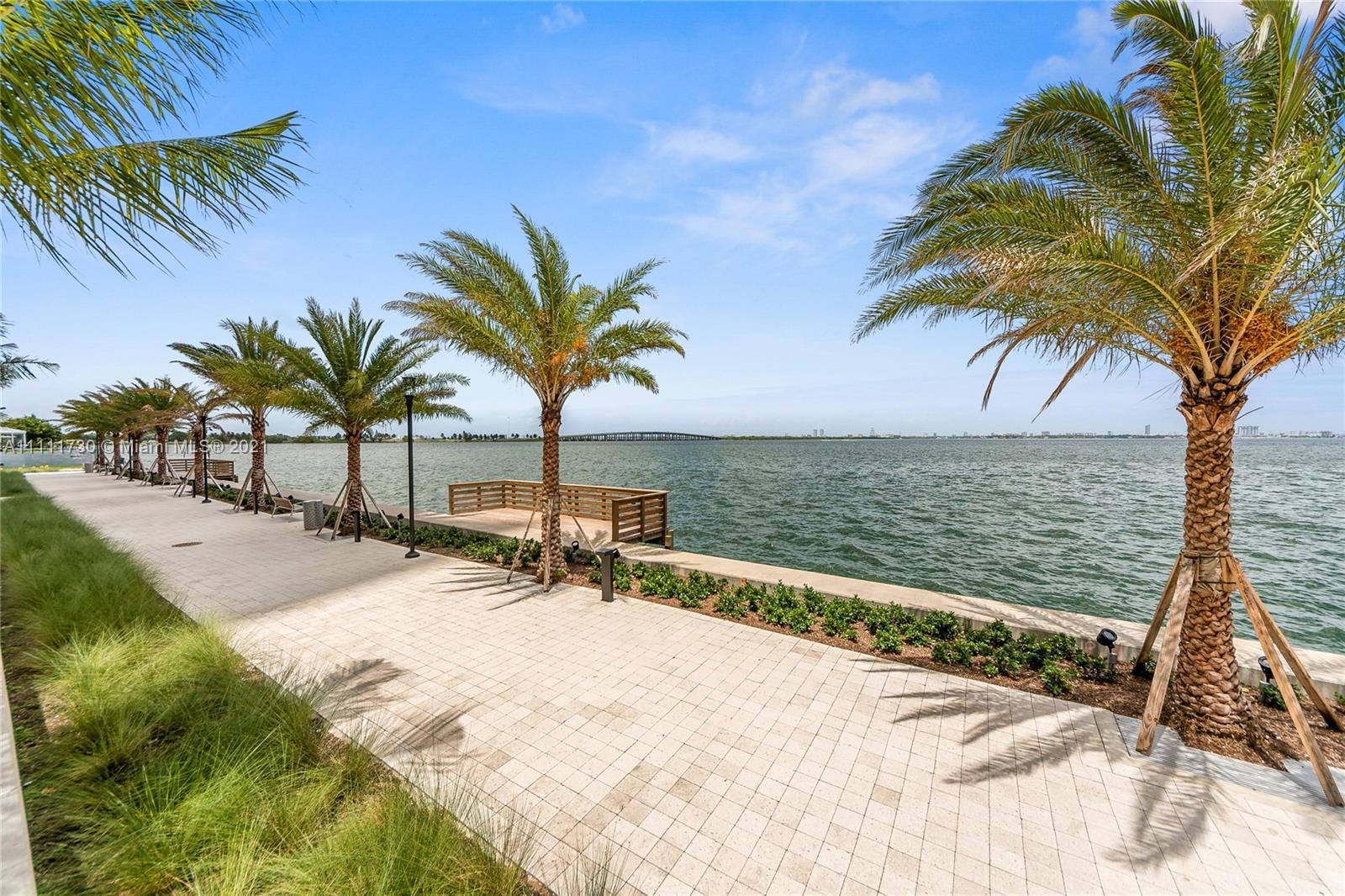 Spectacular 3 bedroom plus a den and 4 bath apartment in the 11th floor at amazing Biscayne Beach bu