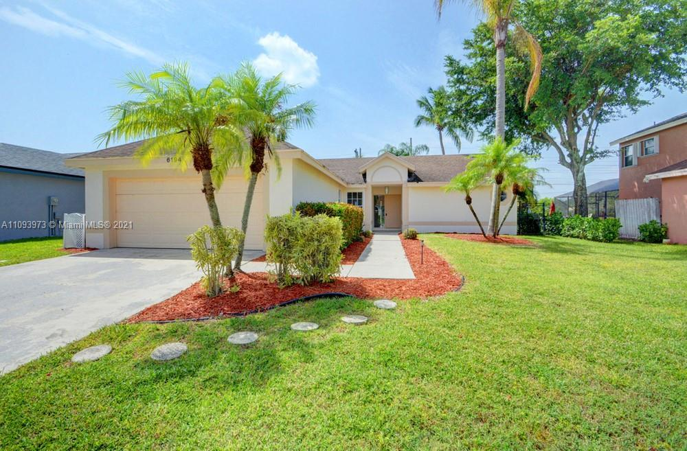 Lovely 3 bedroom, 2 bathroom single family home in Boynton Beach! This perfect starter home or inves