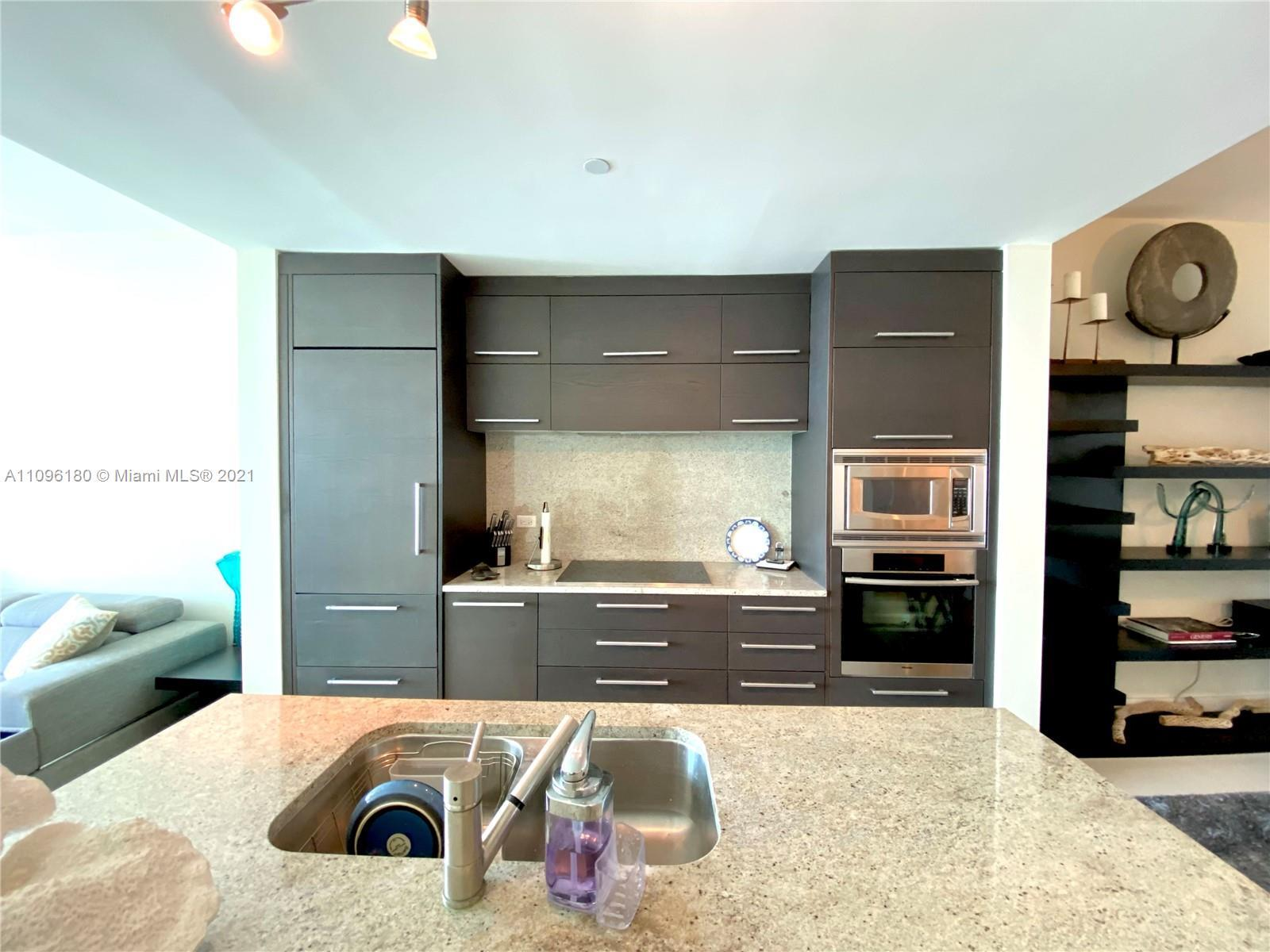 Stunning Apartment located at 900 Biscayne Bay. 1 BED, 2 BATHS. Offers a number of lavish amenities,