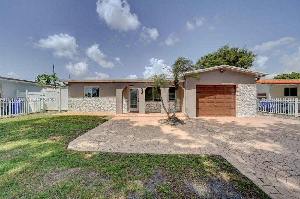 Location, location, location! Come enjoy this spectacular 3 bedroom 2 bathroom home located in Boule