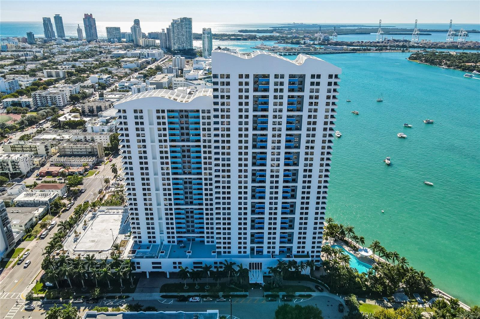 Breathtaking and expansive views from this high floor West Ave neighborhood apartment. Large private