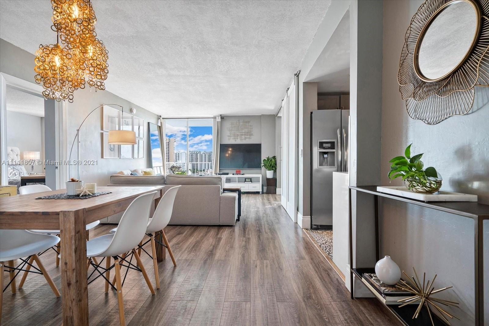 Ready to live, play or invest in this prime location in Miami Beach? Totally upgraded one bedroom 2