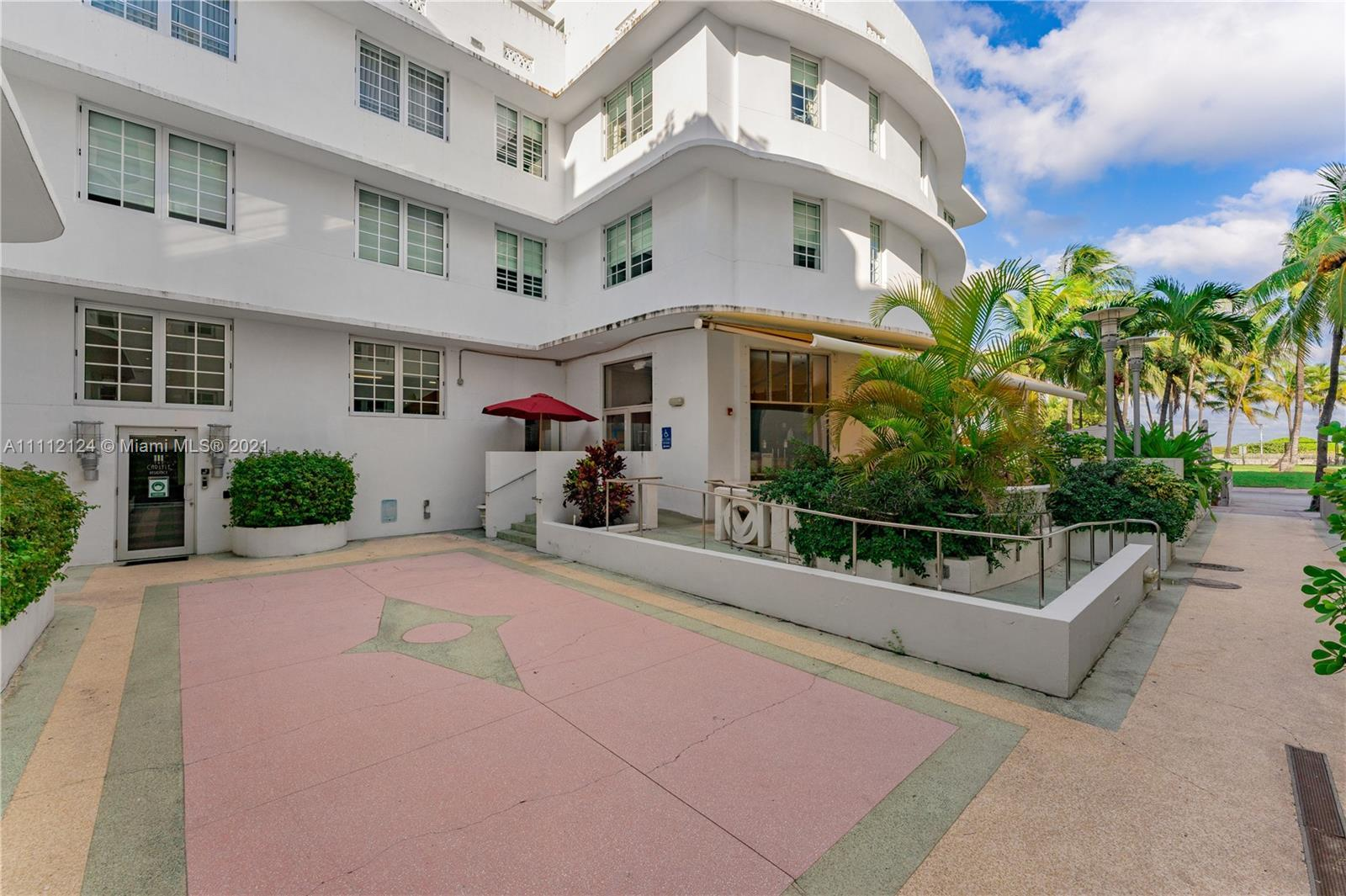 Investor-friendly building that allows daily rentals on the iconic Ocean Drive in Miami Beach. This
