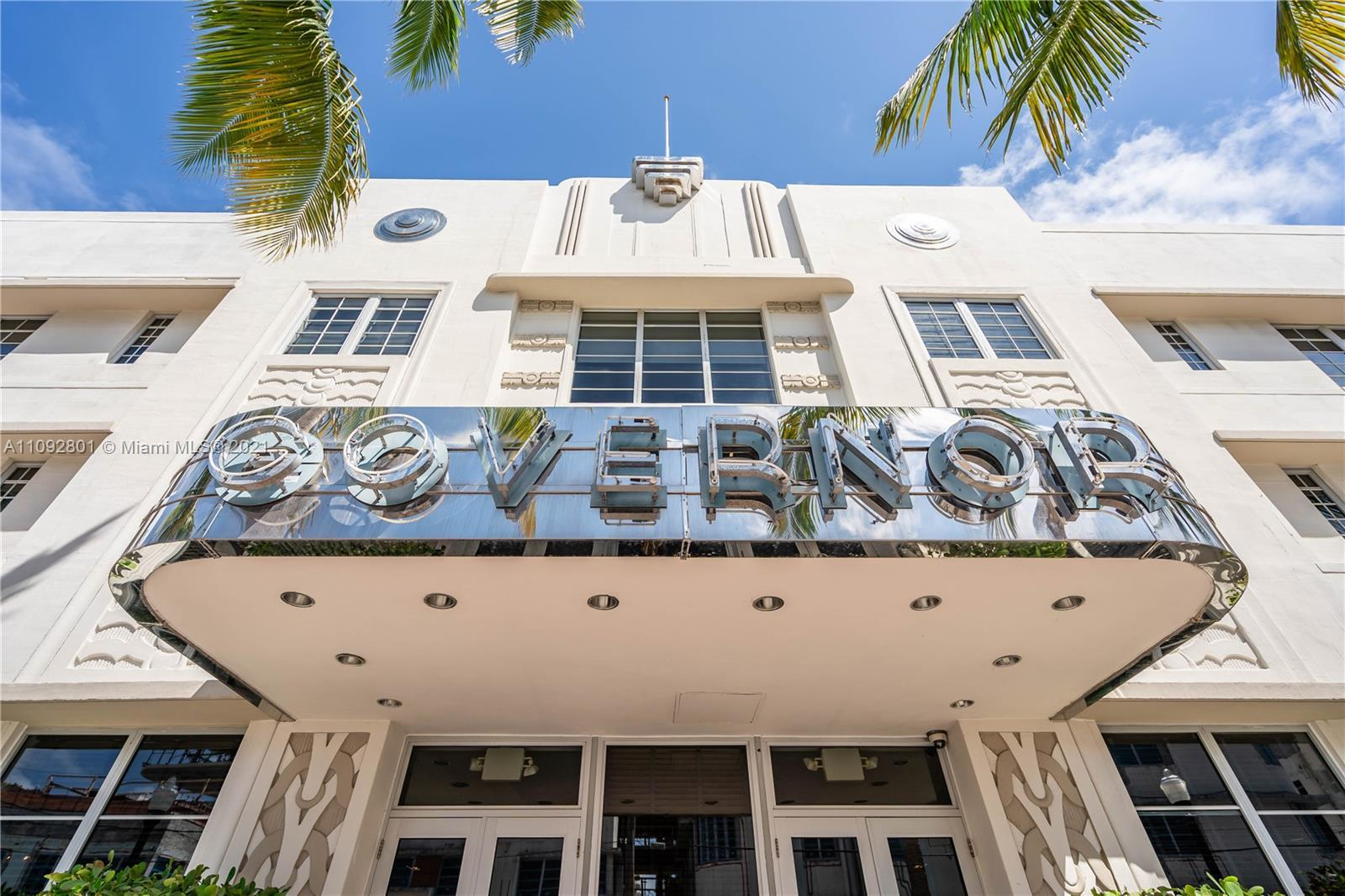 Great garden apartment, by famed Art Deco architect Henry Hohauser. 1 Bed & 1 Bath unit features: It