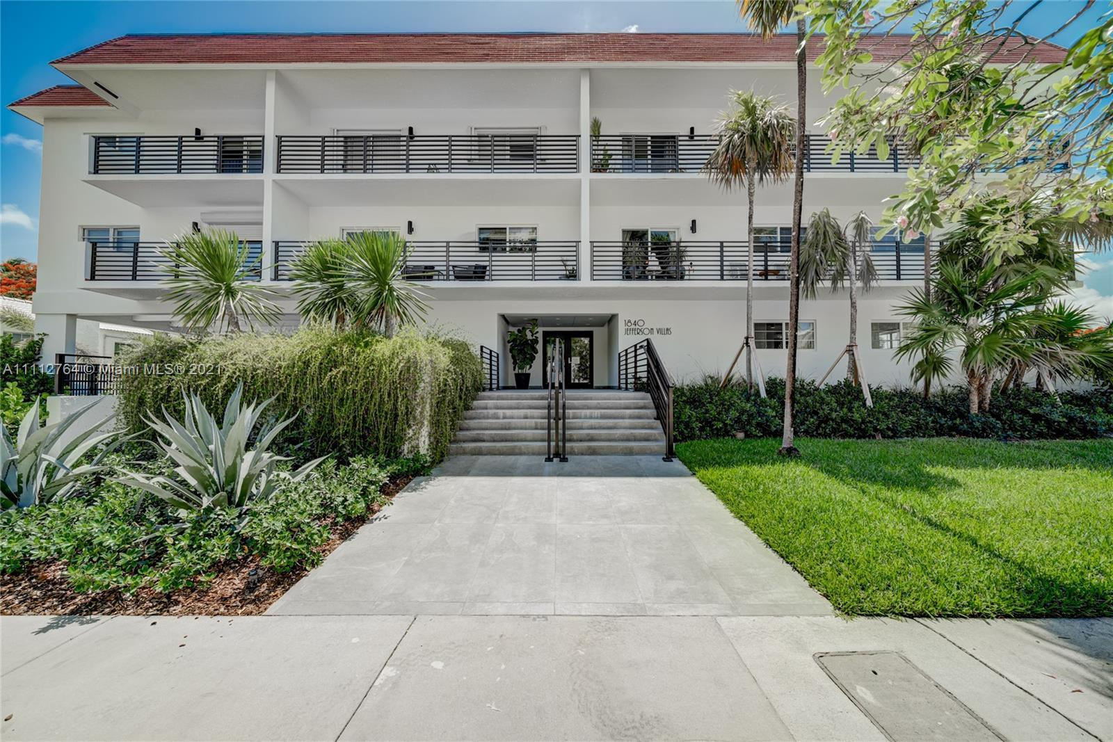 UNIT IS PERFECTLY LOCATED IN JEFFERSON AVE. WALKING DISTANCE TO THE BEACH, LINCOLN ROAD, SUPERMARKET