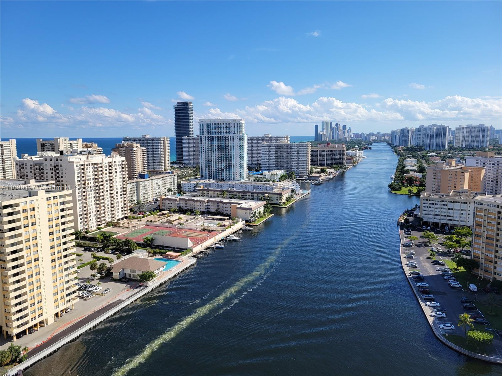 Enjoy the most beautiful views of the intracoastal and ocean from this residence.  It is very spacio