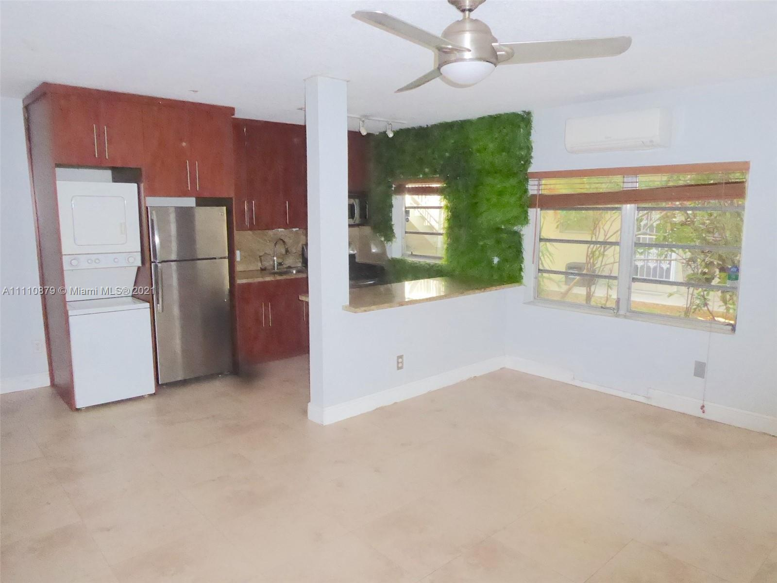 South of Fifth, the sought after South Beach! Charming European-style, open, garden living. Exclusiv