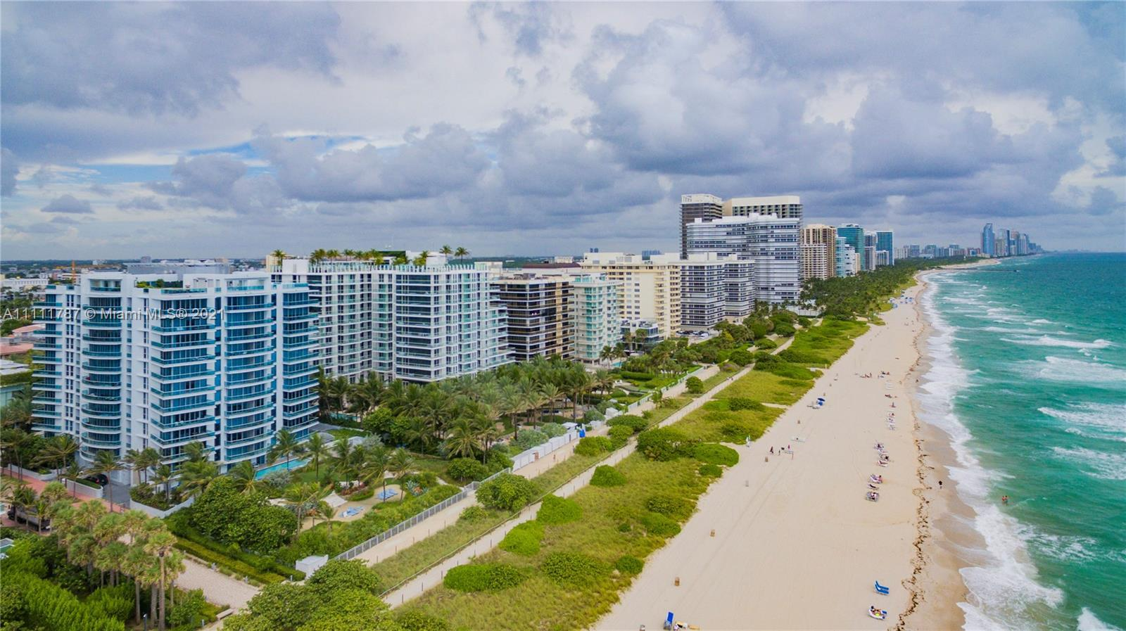 Extremely rare opportunity! Unique combined high floor unit in Surfside, in the exclusive oceanfront