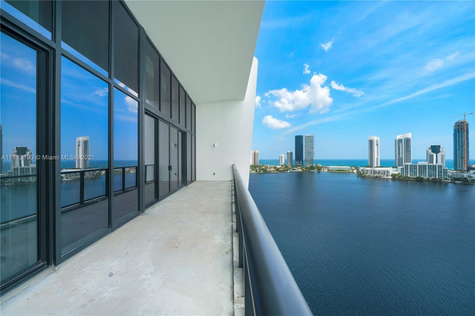 ONLY PH never lived decorator ready, in the exclusive Prive island located in Aventura. Beautiful 5