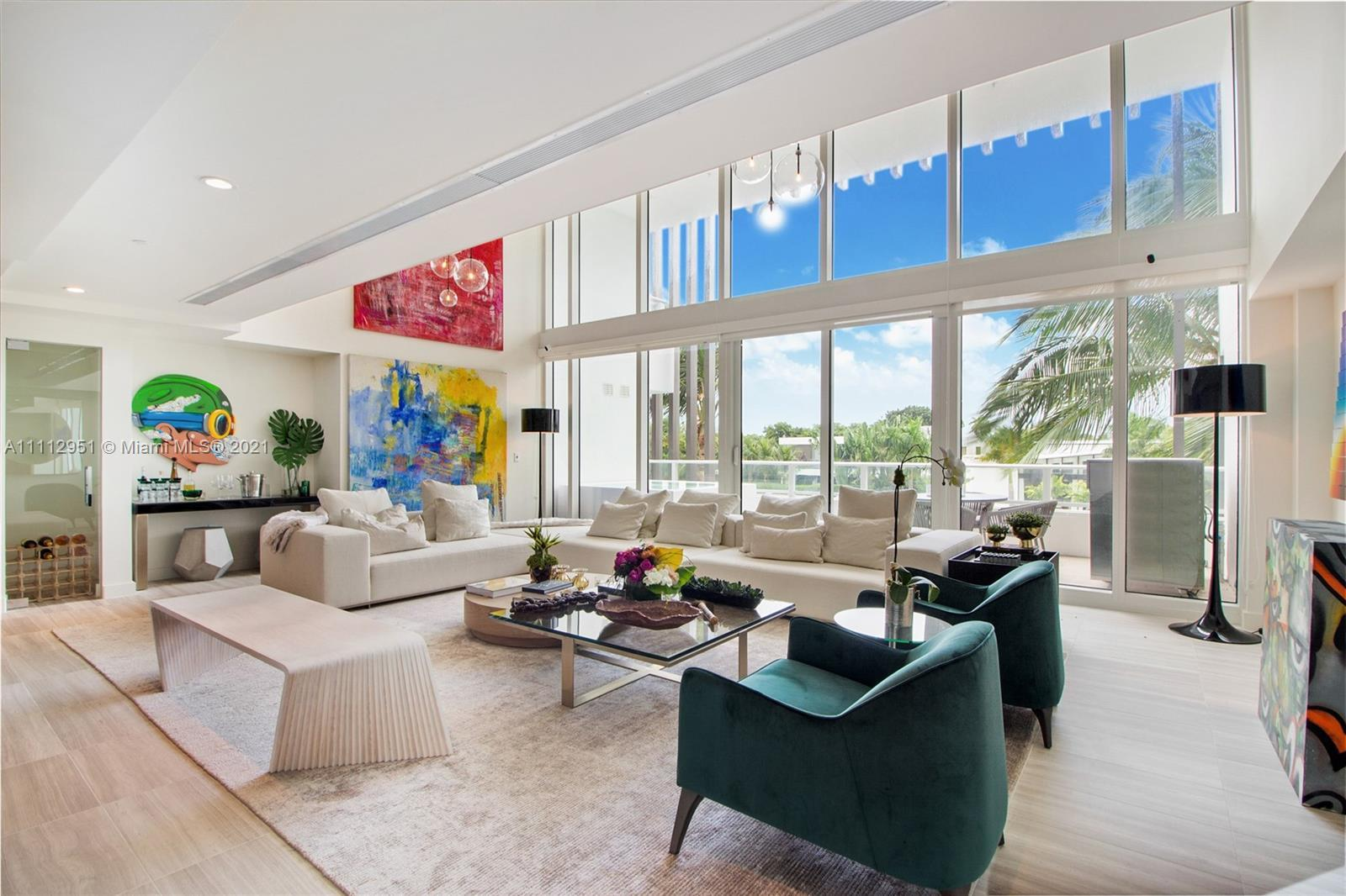 Luxury living at its finest! Enjoy the 5 star legendary the Ritz Carlton Service in this brand new r