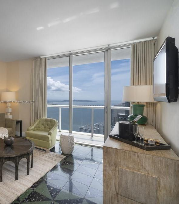 SPECTACULAR OCEANVIEWS!!  1 BED + DEN. FURNISHED AND FINISHED WITH AMAZING VIEWS TO BRICKELL BAY AND