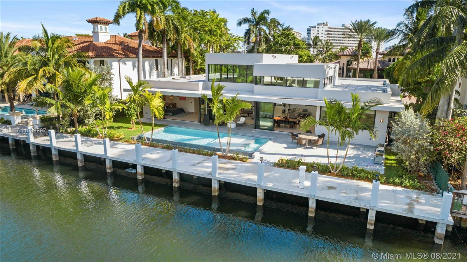New construction, One Story Modern home, on 100Ft. of deep water. A Yachtsman's Paradise! State of t