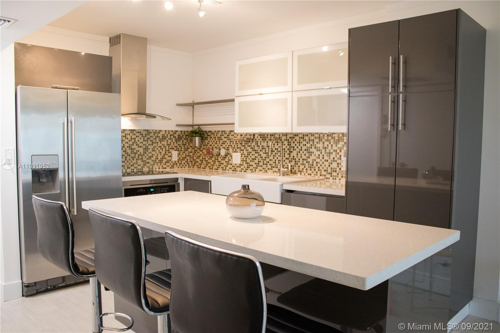Totally remodeled 1Bed + 1.5Bath Apartment with beautiful views to Turnberry Golf Course and ocean.