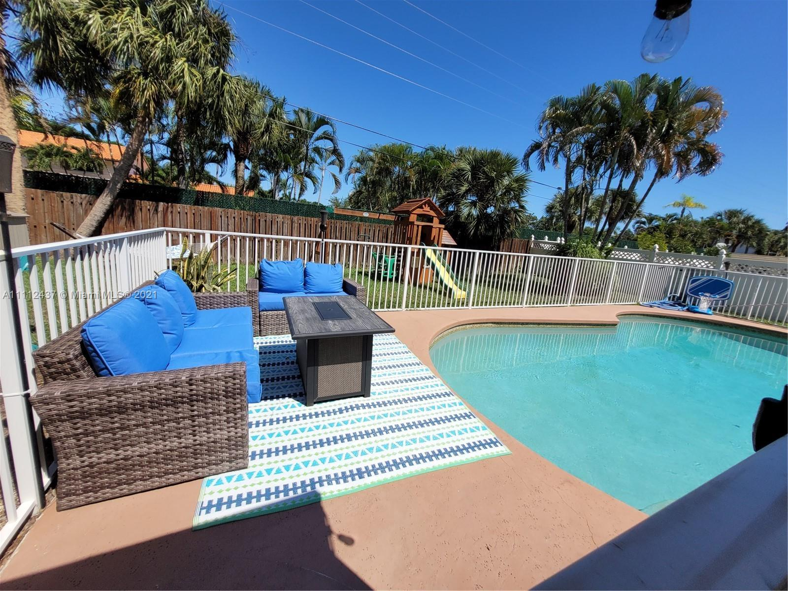 Beautifully Remodeled 3/2, New A/c, New Kitchen, New bathrooms, New Floors, Pool lighting System, Im
