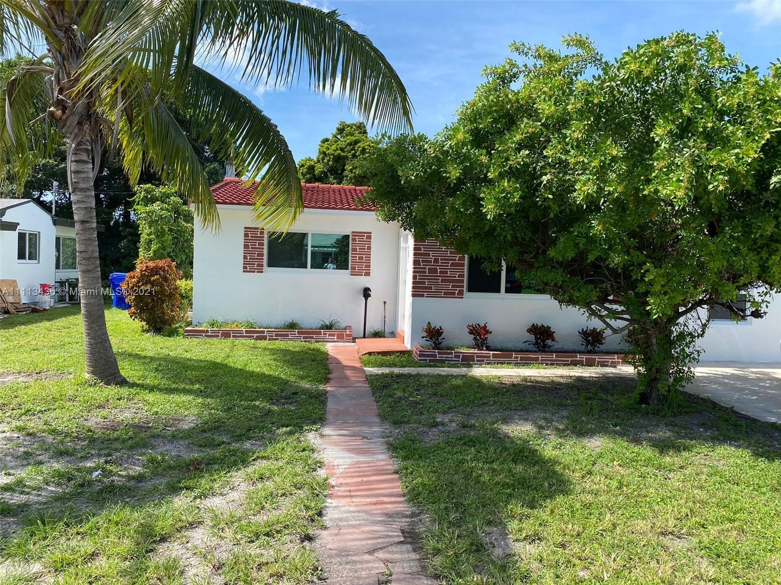 ACTUALSIZE - IS 1,500 SQ.FT Beautiful renovated house is located in a very nice quiet area, new