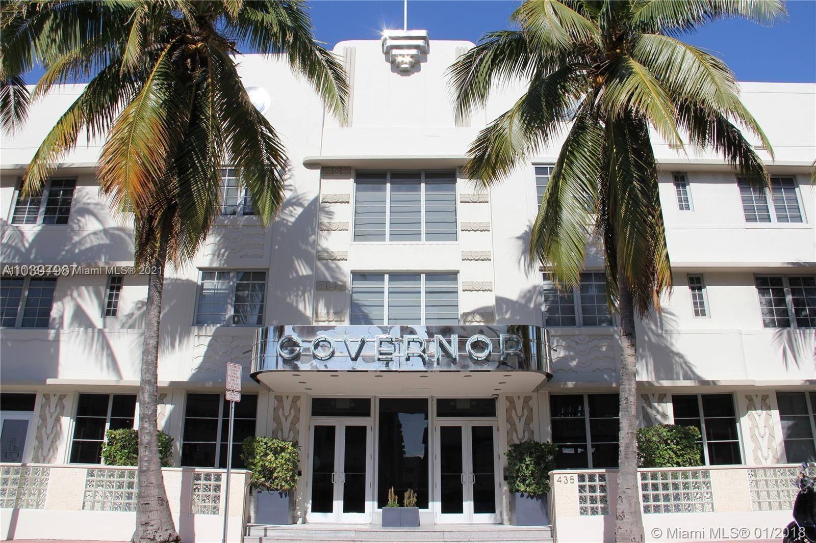 Live in the heart of the South Beach in this sleek contemporary 1/1 located in the renowned Artecity