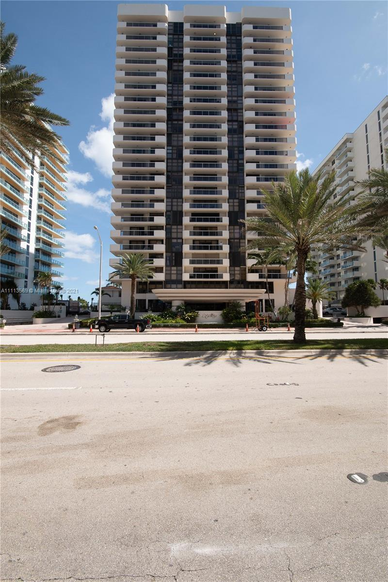 Direct ocean front building in millionaire's row. Spacious 2 bedrooms and 2 bathrooms with beautiful