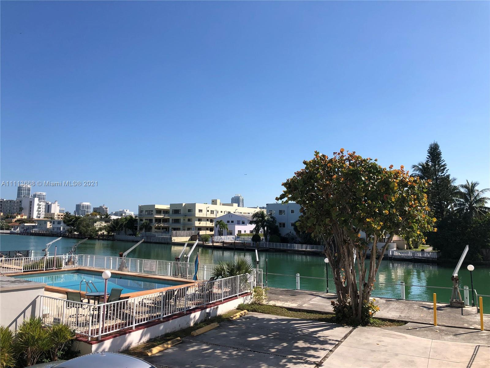 MODERN CORNER UNIT. 2 BEDROOMS AND 2 FULL BATHS. AMAZING VIEW OF CANAL. A LOT OF CLOSET SPACE. 2 GRE