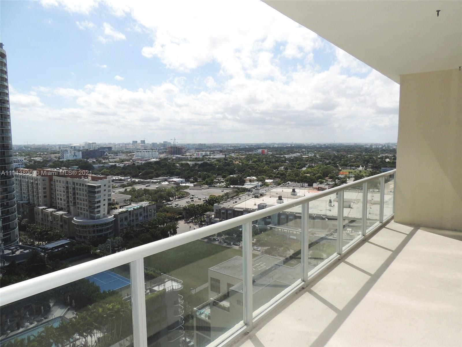 MIAMI LIVING AT IT'S FINEST!! SPECTACULAR VIEWS FROM THIS 20th FLOOR 1 BED / 1 BATH UNIT RIGHT IN TH