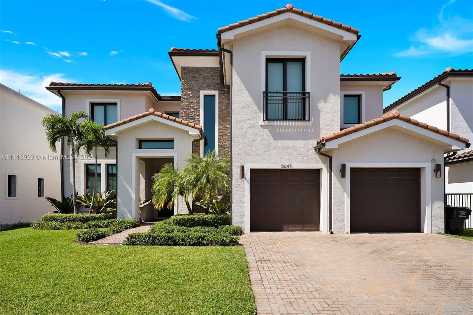 Miami Riches presents amazing custom Brand New Home at the Preserve at Emerald Hills, Hollywood. Thi