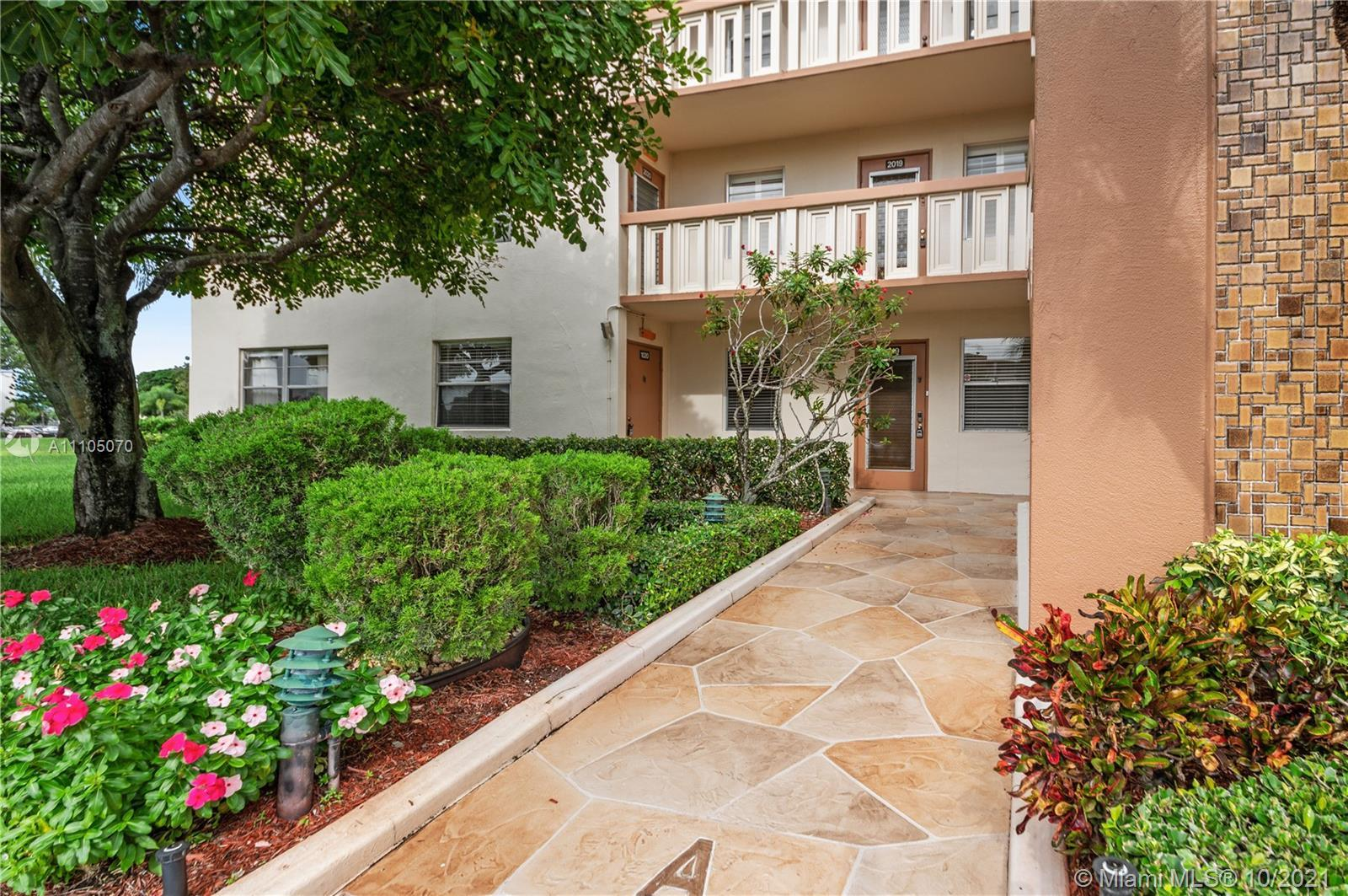 Water views in 3 directions!! 2/2 with 1,168sf on first floor and a CORNER in resort-style Century V