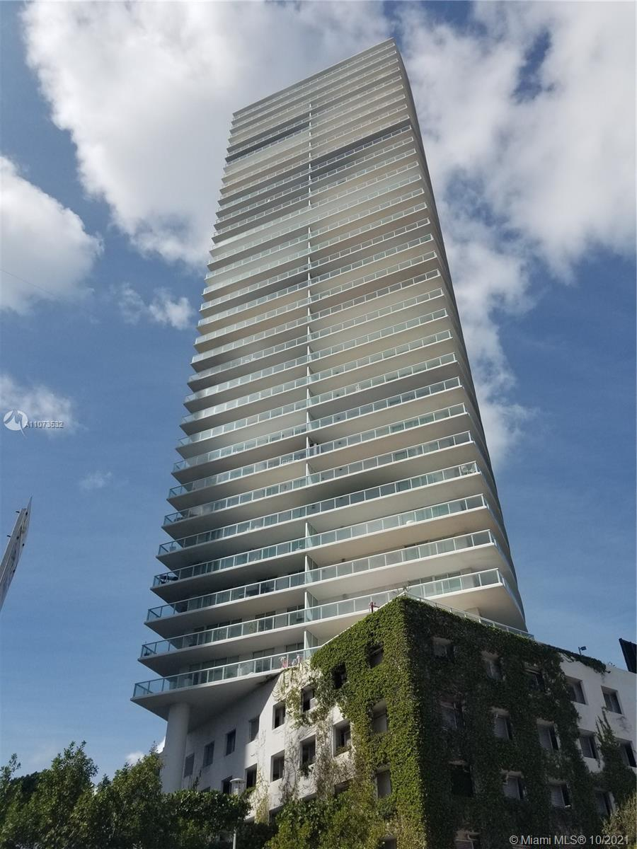 Icon 1008 is a great opportunity to own a an apartment in famous and prestigious Icon South Beach de